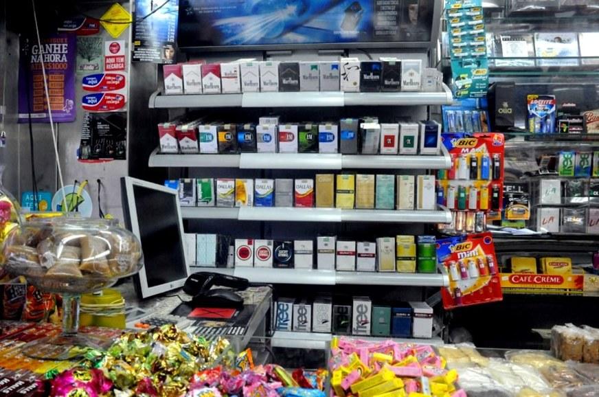 Aprovado PL de melhor vereador da ZL que proíbe venda de cigarros em padarias e supermercados de SP