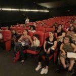 Com luzes levemente acesas e som mais baixo, sessão de cinema para autistas foi parceria entre o Petra Belas Artes, Super Mães Especiais e Rinaldi Digilio