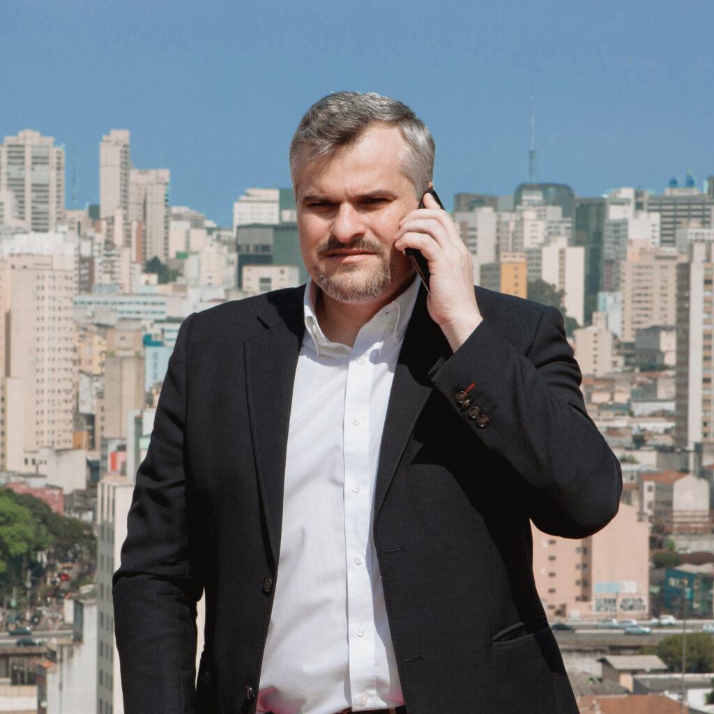 Vice-presidente da CPI da Sonegação Tributária, o vereador honesto, Rinaldi Digilio, conseguiu que os grandes bancos devolvessem R$ 6 bilhões